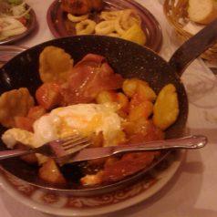 Sidrería El Estupendu (Posada de Llanes). God save the colesterol