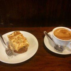 Tortilla y café. Delicioso desayuno