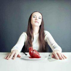 Antropofagia, canibalismo, gastronomía y sexualidad. El sutil sabor de la carne humana (te lo como todo, todo, todo)