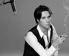 Rufus Wainwright. 'Cigarettes & chocolate milk'.