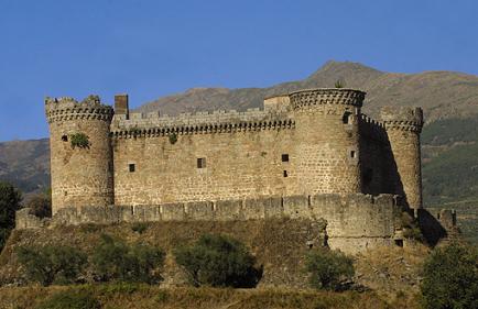 Castillo de Mombeltrán (imagen tomada de castillospedia.com).