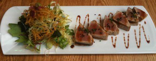 Toro tataki (16,86 euros + IVA) de Shibui Bilbao (foto: cuchillo)