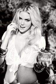 Kate Upton. Porque me gustan las cerezas, me gustas tú.