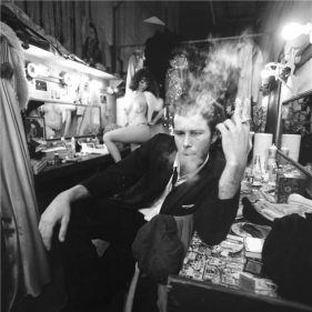 Tom Waits retratado por Joel Bordsky.