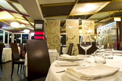 Un comedor del restaurante Amita, en Suances.