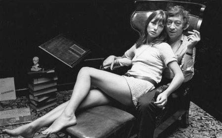 Jane Birkin y Serge Gainsbourg comparten asiento.