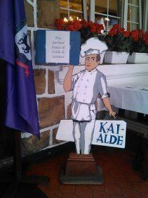 El cocinero restaurado que recibe en el Kai-Alde (foto: Mandi)