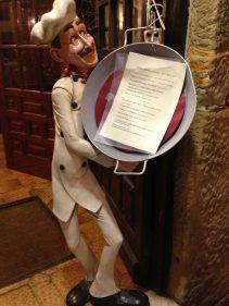 Este cocinero recibe en el restaurante Barbarin, en Donostia (foto: Igor Cubillo)