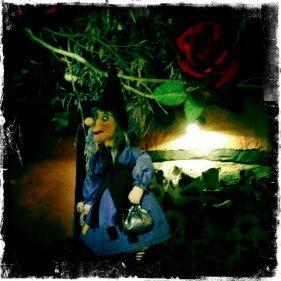 Una de las brujas del restauranteBelaustegi Baserria (f: Igor Cubillo)