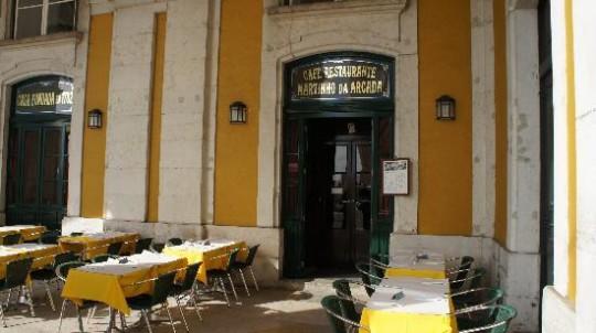 Fachada de Martinho da Arcada, en Lisboa.