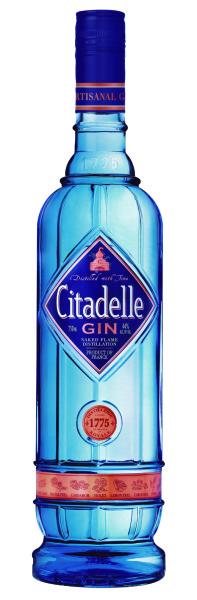 La nueva botella de Citadelle, tan azul ella.