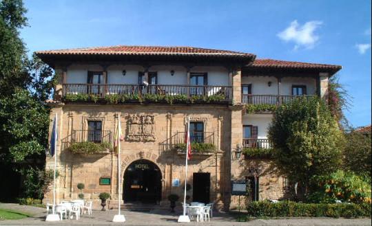 Fachada de Hotel Los Infantes, palacio del Siglo XVIII (foto de su web)