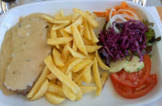 Bife gorgonzola, de Porto de Cascais (foto: O.C.E.)