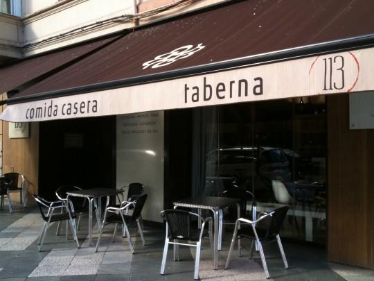 Fachada de Taberna 113, en Vitoria (foto: Cuchillo)