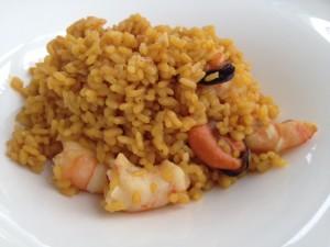 Un excelente arroz con langostinos y mejillones