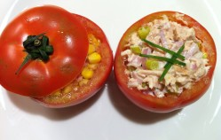 Tomates rellenos fríos, por Uve (Recetas para una desescalada #94)