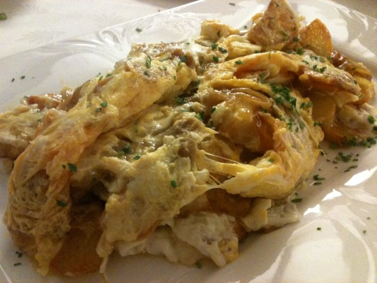 Revuelto, plato estrella del restaurante Markina (foto: Cuchillo)