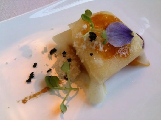 Queso, manzana y sardina marinada, en Auga (foto: Cuchillo)
