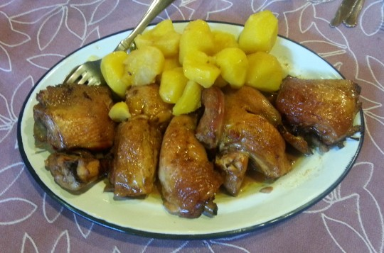 Capón con sus patatas, en Casa Brandariz (foto: Araceli Viqueira)