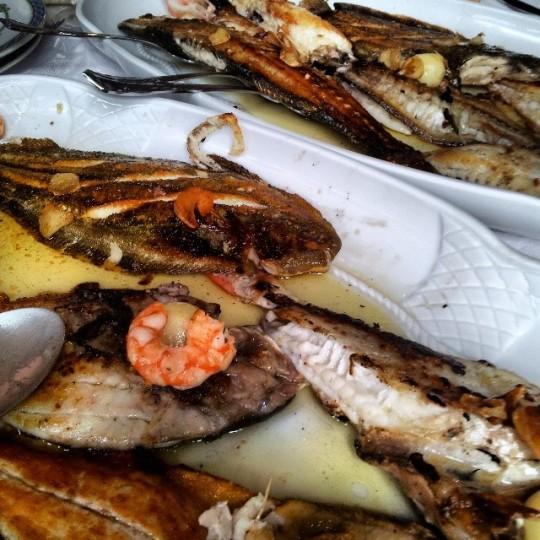 Parrilla de pescado en el Jornu, en Pancar, Llanes
