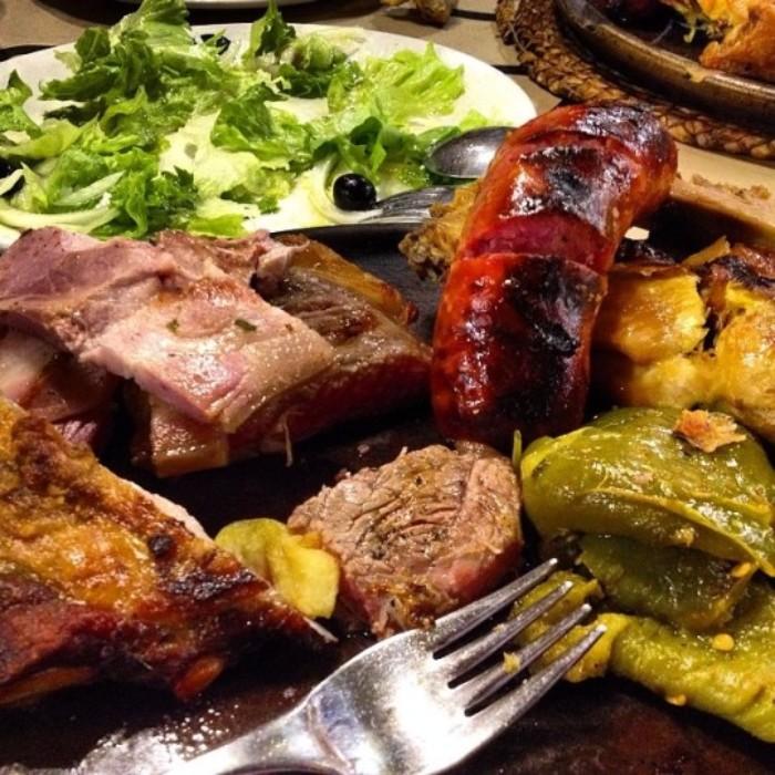 Parrillada de carne en Tierra Astur (Avilés)
