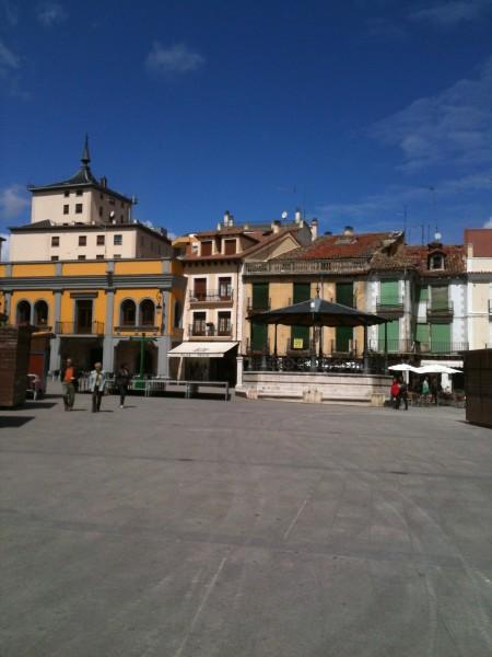 Una de las plazas de Aranda de Duero (foto: Cuchillo)