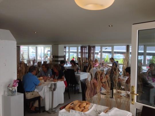 Comedor del restaurante Amita, en Suances (foto: Mr. Duck)