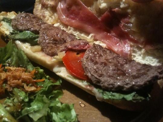 Integral del sandwich Gorgonmout, en Barmout (foto: Cuchillo)