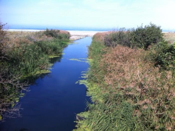 La desembocadura del río Acebo, junto a Güeyu Mar (foto: CuchilloI