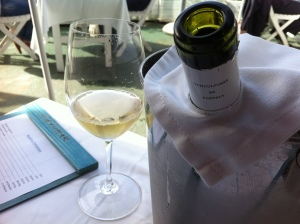 El vino está servido, en Güeyu Mar (foto: Cuchillo)