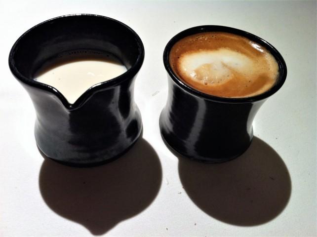Leche y café, de verdad, en Mugaritz (foto: Cuchillo)