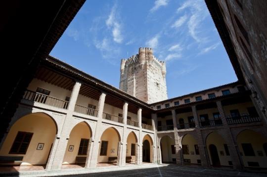 El célebre Castillo de la Mota, visto desde el patio (foto: Miguel Ángel Muñoz Romero)