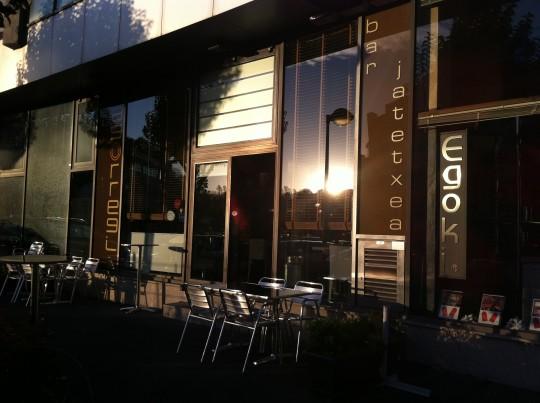 Fachada de restaurante Agorregi, en Donostia (foto: Cuchillo)