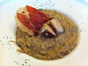 Risotto de hongos y foie, en El Txakoli (foto: Cuchillo)