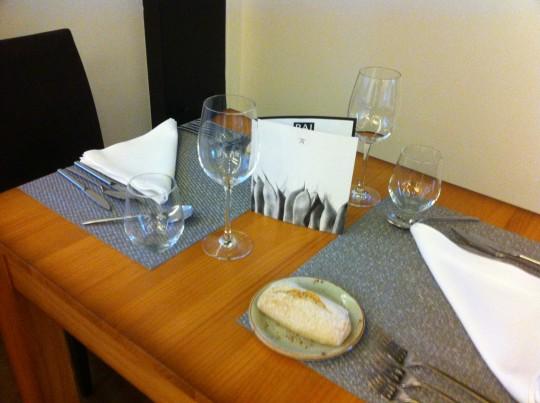 Así de informales se visten las mesas en Prêt à Porter (foto: Cuchillo)