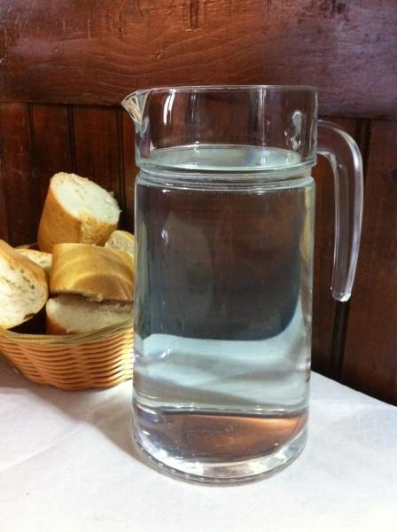 El agua, de grifo en Urrutxuko Erretegia (foto: Cuchillo)