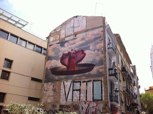 Peazo paella, intervención artística en el barrio de El Carmen, en Valencia (foto: Cuchillo)