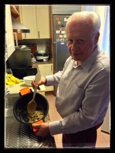 Juan Echanove, en la cocina.
