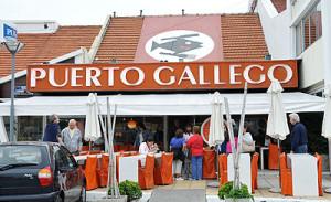 Fachada de Puerto Gallego, en Mar del Plata.