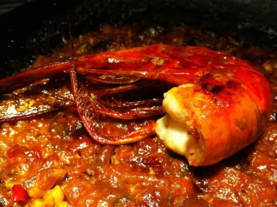 Una muestra de arroz con calamar y carabinero (foto: Cuchillo)