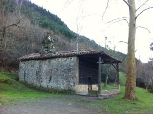 La ermita de San Roque, frente a Makatzeta (foto: Cuchillo)