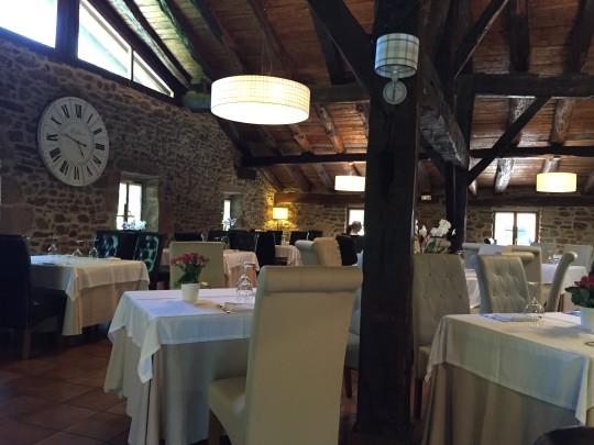 Una vista del comedor principal del restaurante Makatzeta (foto: Cuchillo)