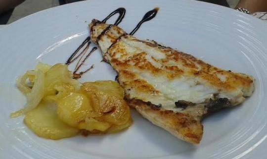 Lomo de dorada a la panadera, en Capricho de Baco (foto: O.C.E.)