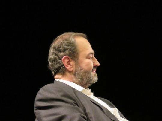 Retrato un tanto hitchcockniano del cinéfilo Juan Bas (foto: Cuchillo)