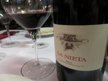 Una buena chuleta se merece un buen vino, como La Nieta (foto: Cuchillo)