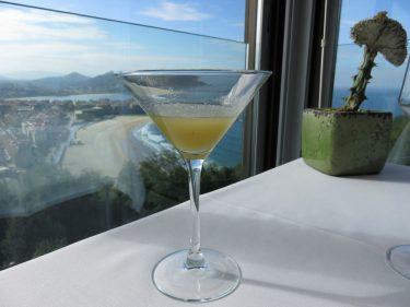 Cocktail de bienvenida y vistas en Mirador de Ulía (foto: Cuchillo)
