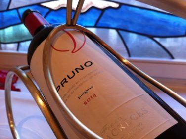 Mi botella de Pruno, en Club Náutico (foto: Cuchillo)