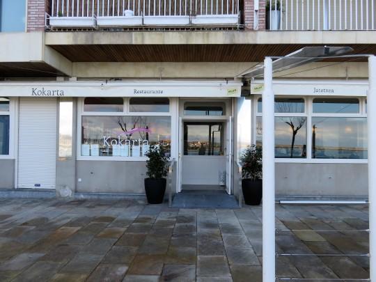 Fachada del restaurante Kokarta, en Hondarribia (foto: Cuchillo)