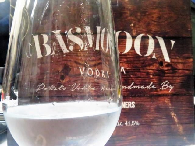 Basmoon Vodka, el vodka premium alavés elaborado con patata (foto: Cuchillo)