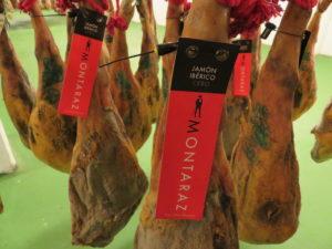 Jamones de Montaraz, listos (foto: Cuchillo)